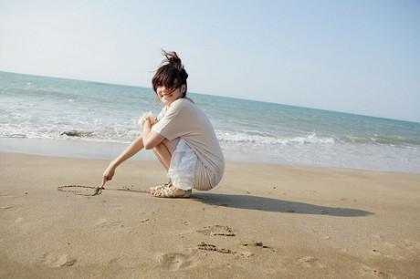 沙滩女孩头像