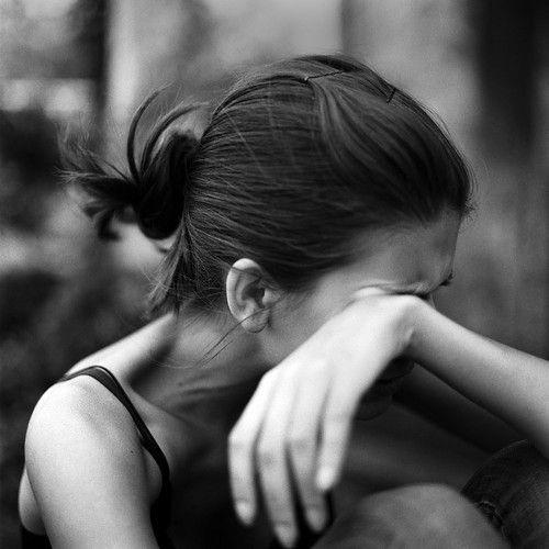 哭的图片女生伤心 2